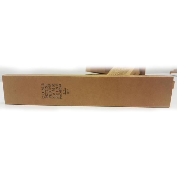 Расческа в картонной упаковке для гостиниц