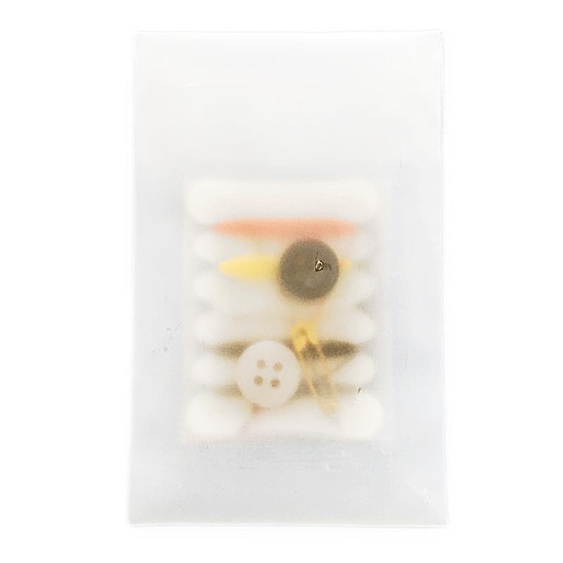 Швейный набор (набор цветных ниток, булавка, иголка, 2 пуговицы) для гостиниц